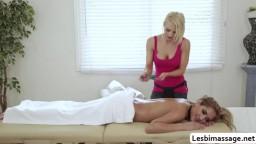 Alix scissor fucks her hot customers pussy